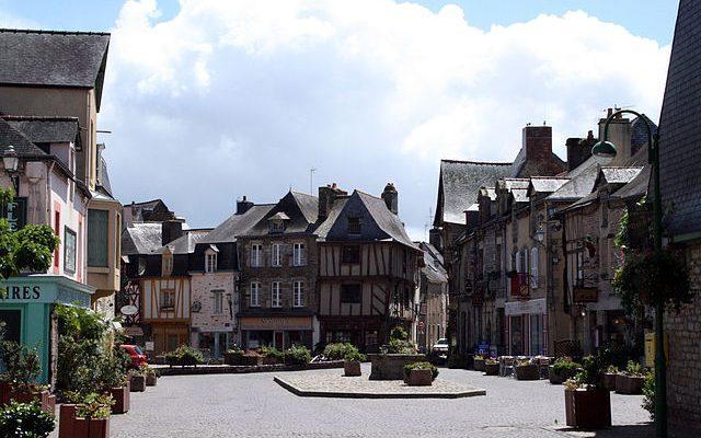 640px-Malestroit_Morbihan